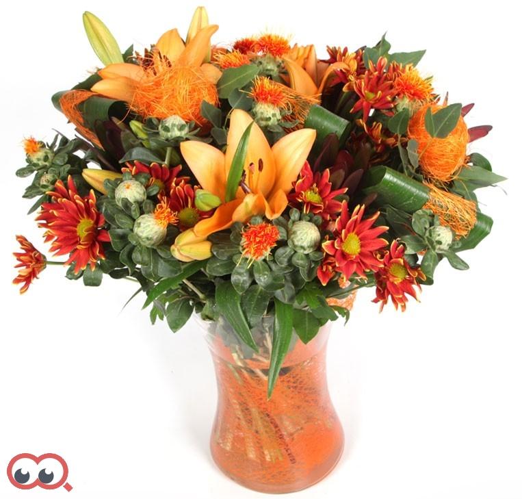 סדור פרחים+אגרטל מרהיב במחיר מיוחד.